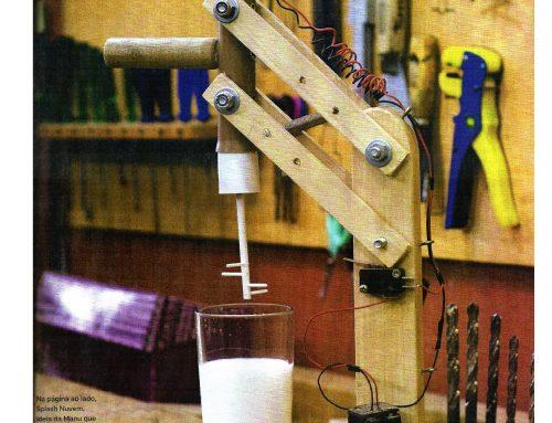 Misturador a pilha para bater o leite